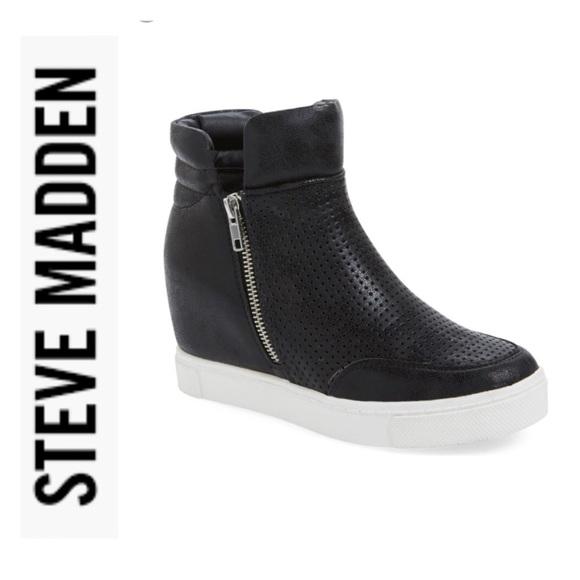 c8d9d2ebf64 Steve Madden LINQSP Wedge Sneaker. M 5aca73b83a112e95946683f9